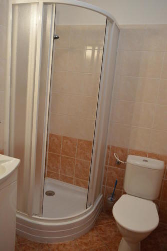 Záchod a WC v domově pro seniory